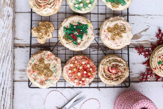 Easy-Slice-n-Bake-Vanilla-Bean-Christmas-Sugar-Cookies-w-Whipped-Buttercream-71